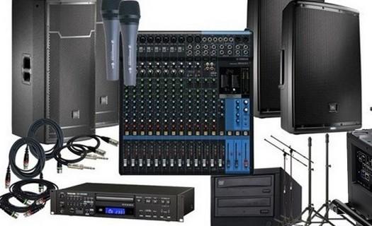 Pronájem audiovizuální techniky Praha, AV pronájmy pro menší a velké akce, kongresy, zasedání