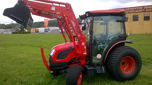 Komunální traktor KIOTI DK6010CH - univerzální technika pro údržbu měst a obcí
