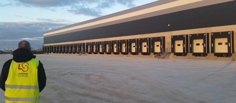 Průmyslová vrata pro logistiku a skladování