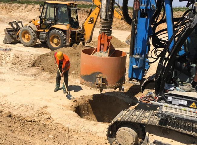 Speciální zakládání budov, stabilizace svahů, pažení stavebních jam