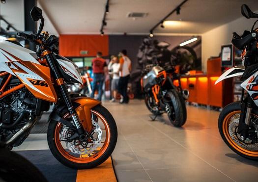 Moto doplňky, prodej, showroom Brno