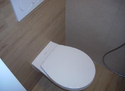 WC po rekonstrukci bytového jádra - Uherské Hradiště