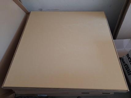 Kvalitní žáruvzdorné a izolační materiály, především tkaniny, desky a šňůry – prodej a dodávka