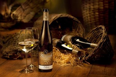 Výroba, prodej bílých, růžových vín s nižším obsahem alkoholu