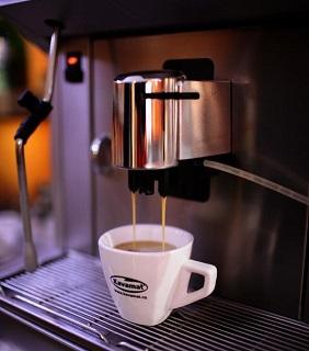 Pronájem automatického kávovaru SAECO AULIKA FOCUS s funkcí One Touch