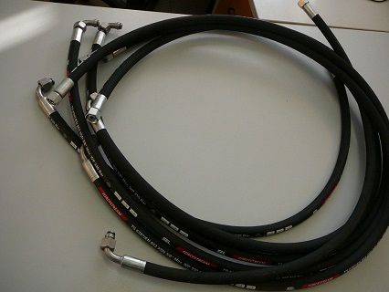 Oprava a výroba hydraulických hadic nejen pro zemědělské stroje na počkání