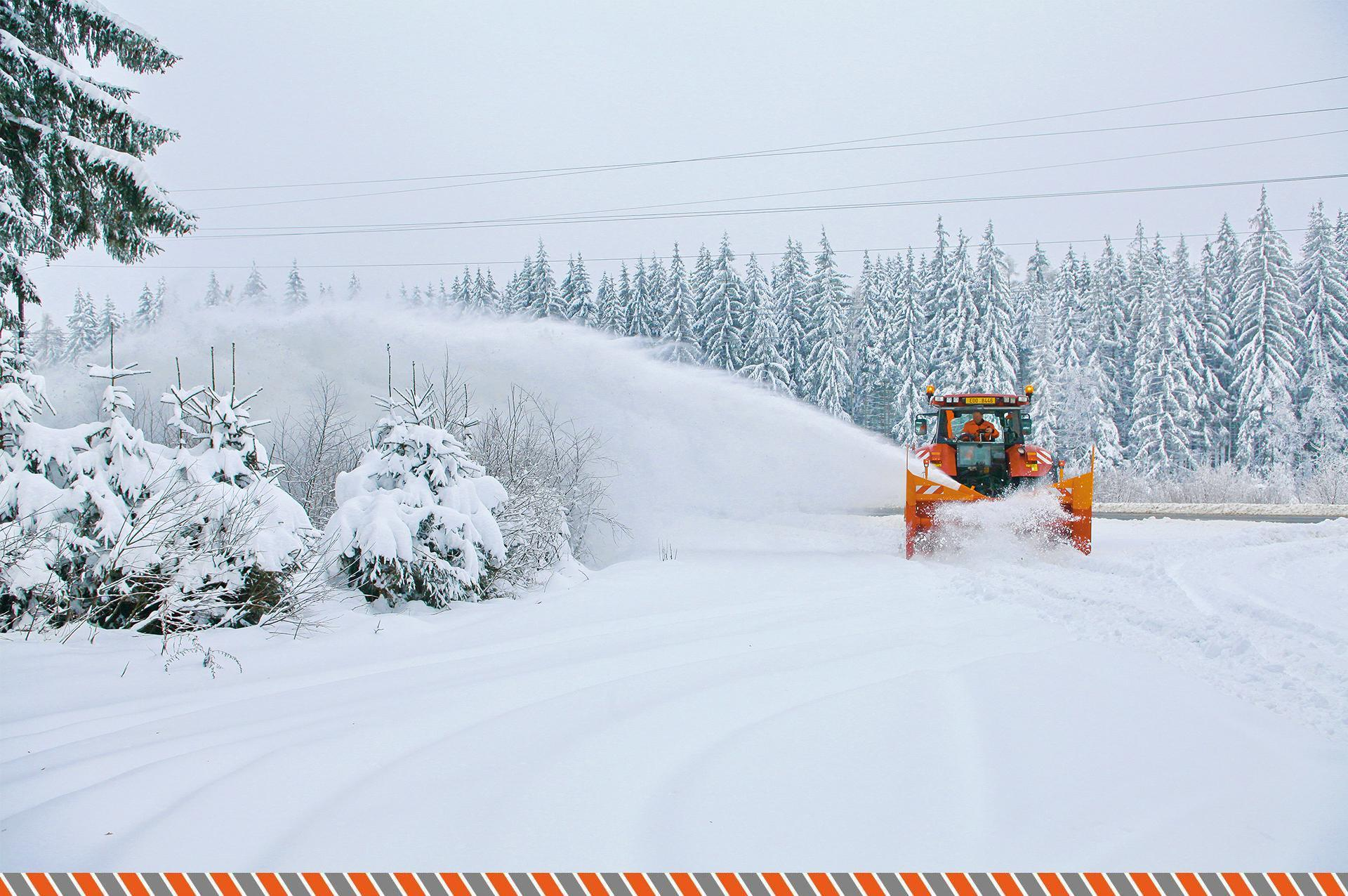 Zimní údržba silnic, odklízení sněhu