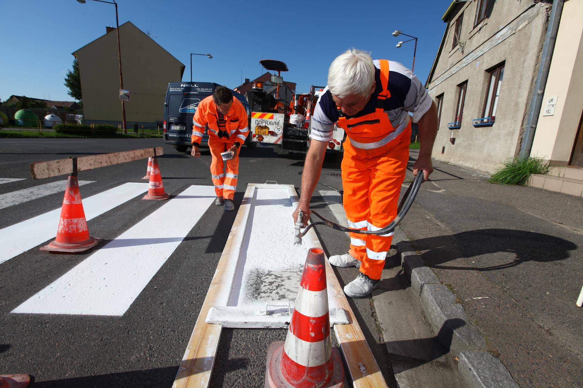 Oprava a obnova dopravního značení na silnicích