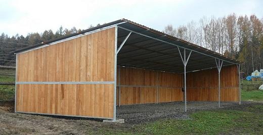 Kvalitně zpracované a postavené přístřešky pro koně a hospodářská zvířata na míru