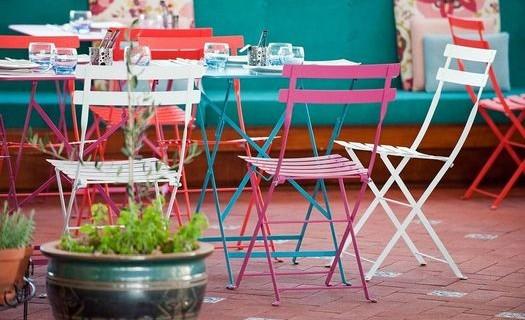 Eshop restaurační nábytek snadno skladovatelný Praha, nábytek pro kavárny, restaurace, bazény