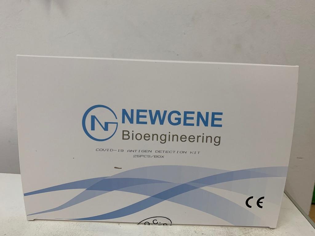 Antigenní test na COVID-19 ze slin, cena za 1 test je 105,- Kč