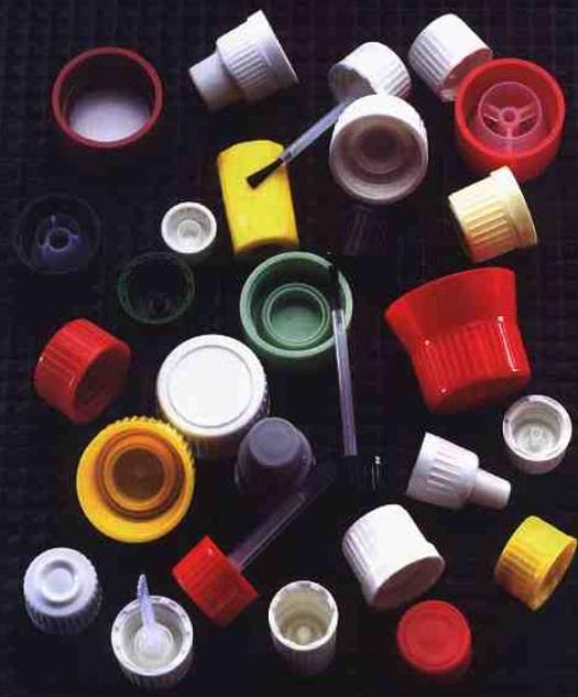 Sterilní uzávěry, injekční a infuzní lahve pro lékařství - obalové materiály z plastu, skla