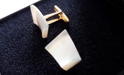 Prodej, manžetové knoflíky přírodní z perleti Žirovnice