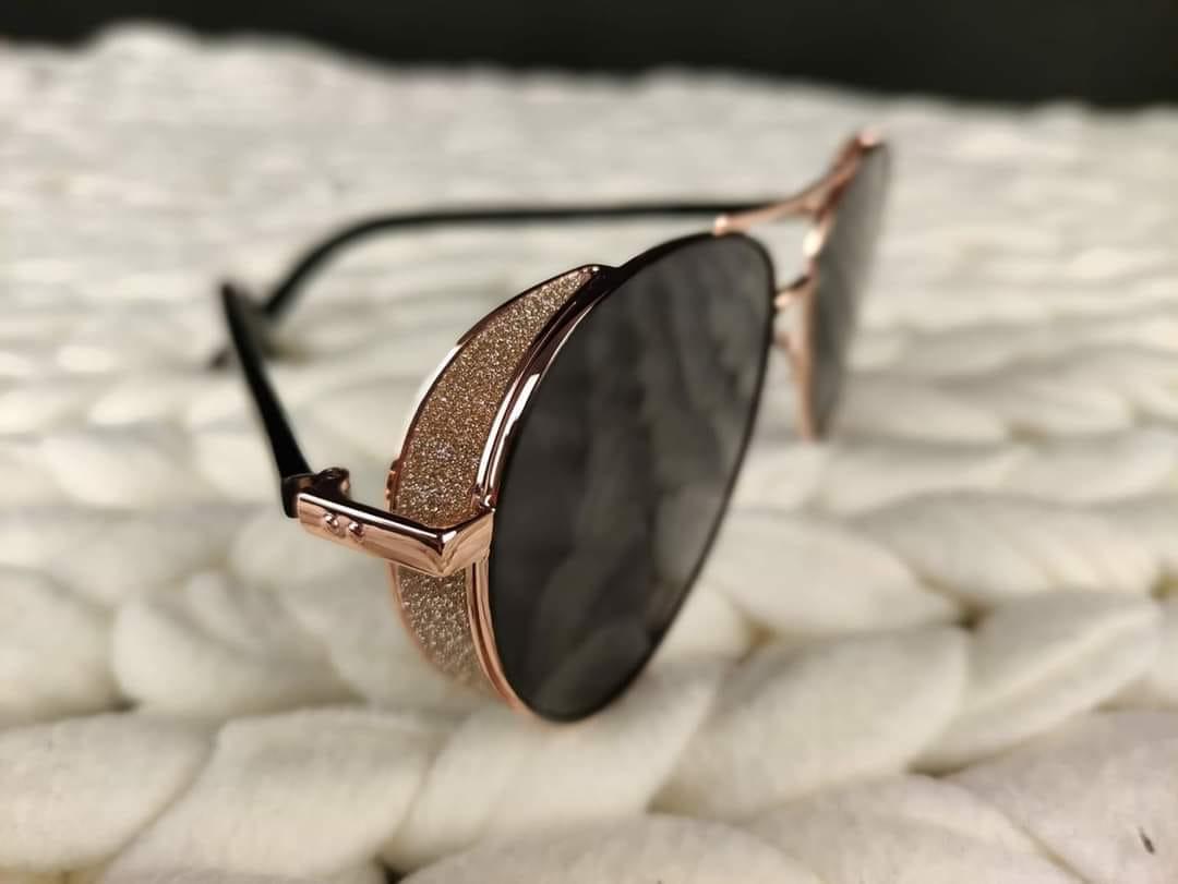 Prodej značkových dioptrických a slunečních brýlí