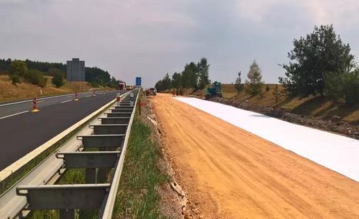 Netkané geotextilie pro výstavbu silnic a železnic