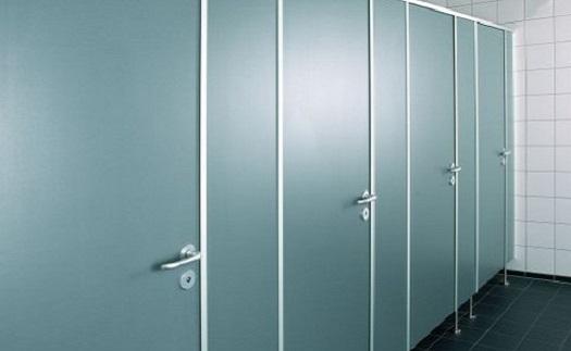 Toaletní zařízení pro obchodní a nákupní centra - montované WC kabiny s rychlou realizací