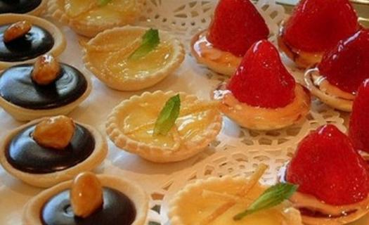 Cukrárna Svěženka, výroba, prodej a distribuce cukrovinek Kralovice, dovoz čerstvých dortů a zákusků