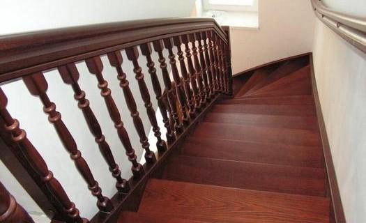 Interiérová, exteriérová schodiště a zábradlí Praha, bazénové schody, skládací a půdní schody