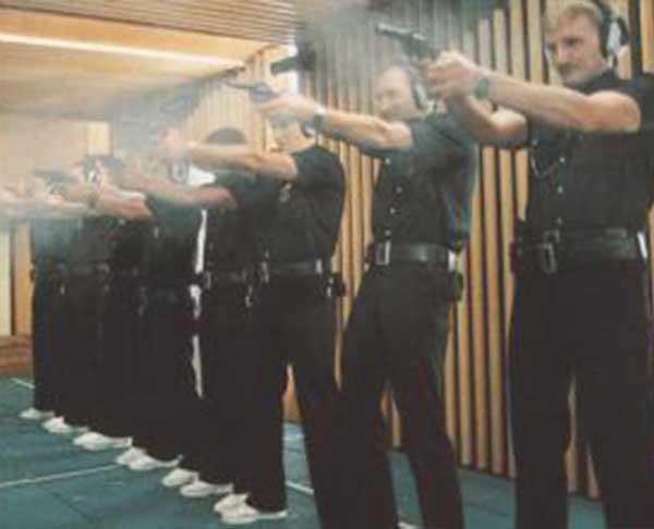 Vycvičení strážníci, střežení na akcích