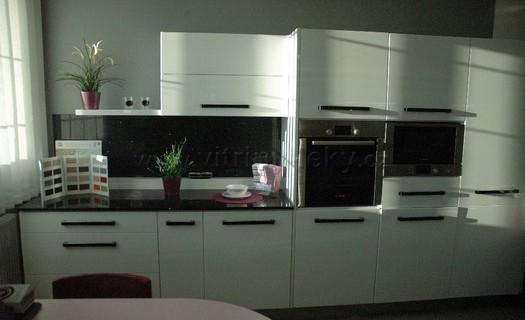 Výroba a renovace kuchyňských linek Kolín, praktické a uspořádané kuchyňské linky na míru