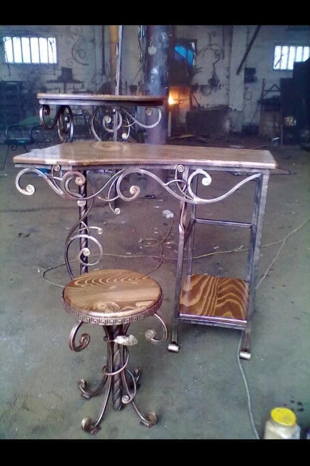 Originální kovový nábytek na zakázku