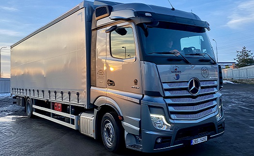Internationaler  Gütertransport  - Kamions, LKW- Planen, Kastenwagen Tschechische Republik