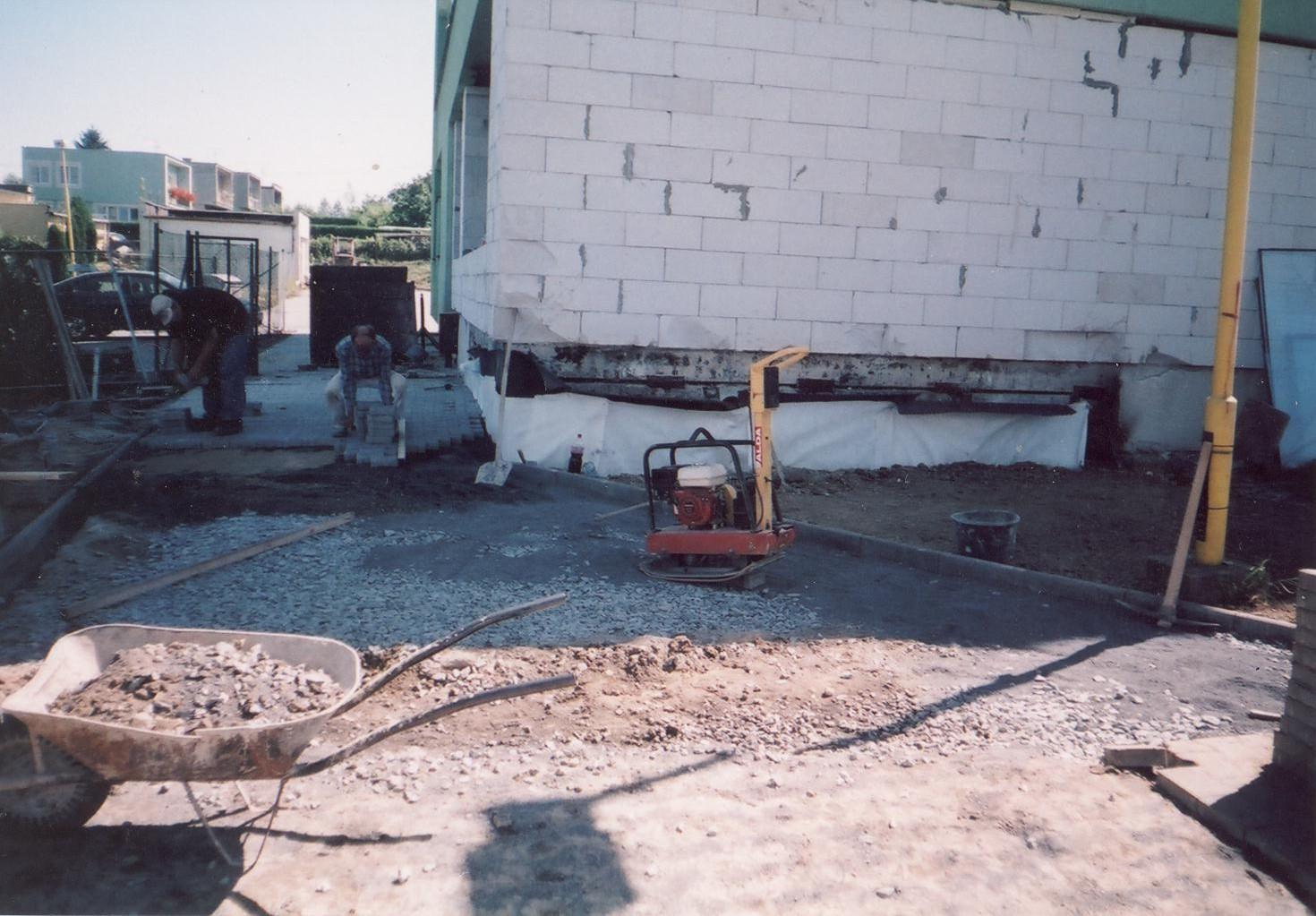 Zednictví, zednické práce, stavební úpravy, dlažby, zedník Opava