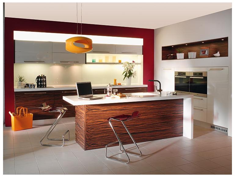 Služby pro truhláře a nábytkáře, kuchyňská lakovaná dvířka, lakované nábytkové dílce