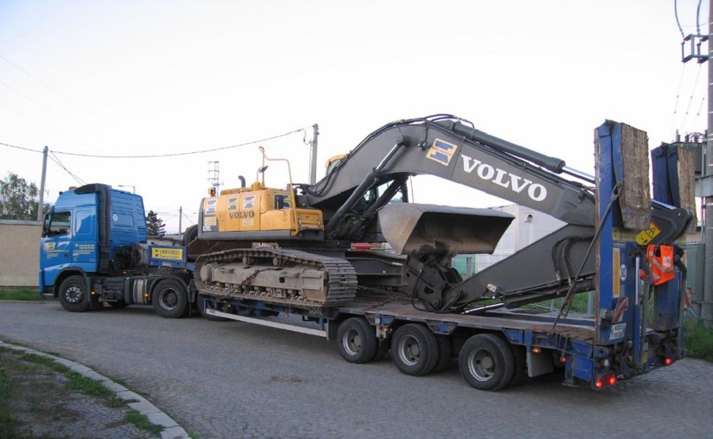 Příprava staveb, demolice, bourací, zemní práce s moderní stavební mechanizací