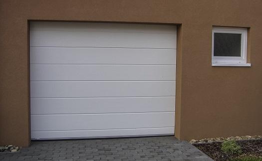 Zakázková výroba posuvné, sekční, rolovací nebo dvoukřídlá garážová  nebo průmyslová vrata Hrotovice, Třebíč