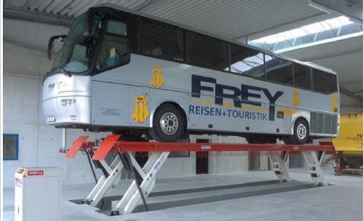 Zvedák pro těžká vozidla a autobusy