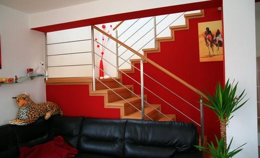 Stolařství, výroba dřevěných schodišť Blansko, dřevěné obklady schodišť, dřevěné zábradlí, dveře