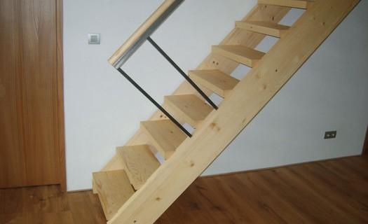 Dřevěné schody samonosné Blansko