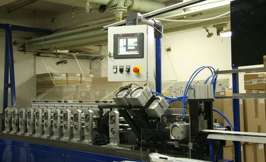 Jednoúčelové stroje Vsetín, nástrojárna, vývoj a výroba jednoúčelových strojů a válcovacích stolic