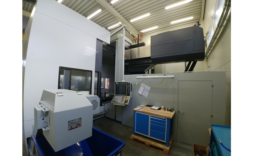 6-axis milling machine type RT 3000 for shape machining of ferrous and non-ferrous materials the Czech Republic