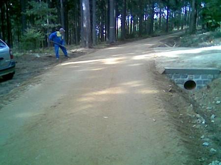 Výstavba cyklostezek, lesních cest,  Ražice.