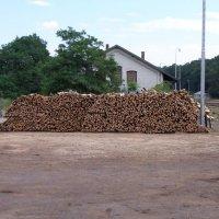 Prodej dřeva a briket