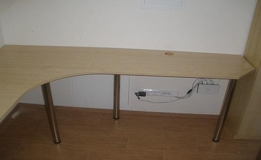 Kancelářský nábytek, zakázková výroba nábytku do kanceláří Brno-venkov