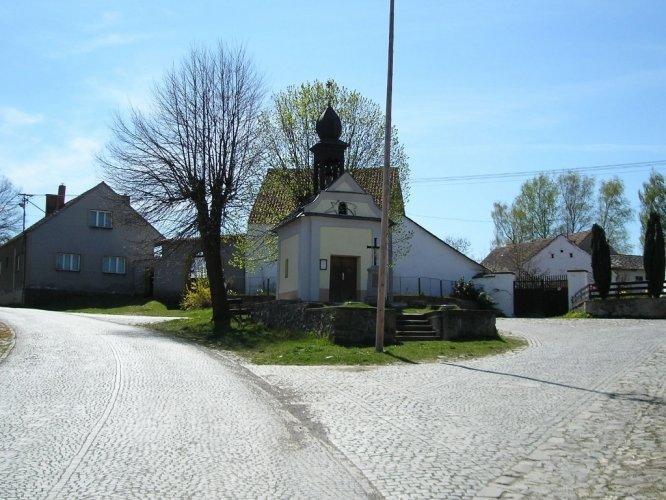 Malá obec Pracejovice - bohatý kulturní život, památky
