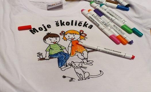 Trička s potiskem nebo kreativní trička s potiskem pro vybarvení pro mateřské a základní školy