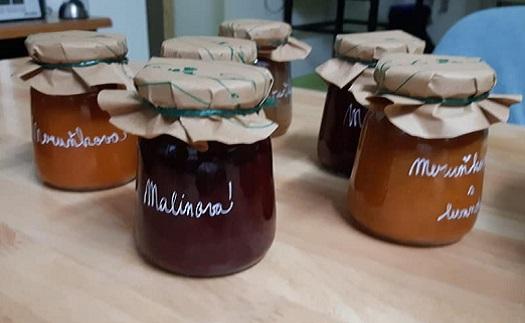 Výroba vaječného koňaku, ovocných pečených čajů a marmelád do obchodů a restaurací