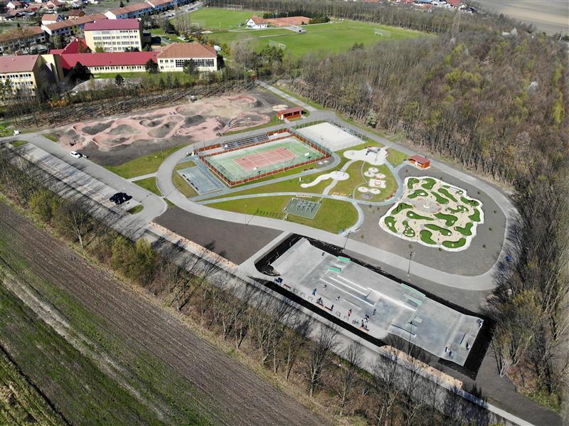 Sportovní areál a cyklostezky v krásné krajině jižní Moravy