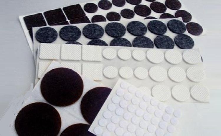 Plstěné, filcové podložky samolepící i s trnem - prodej, výhradní dovozce z Itálie do ČR