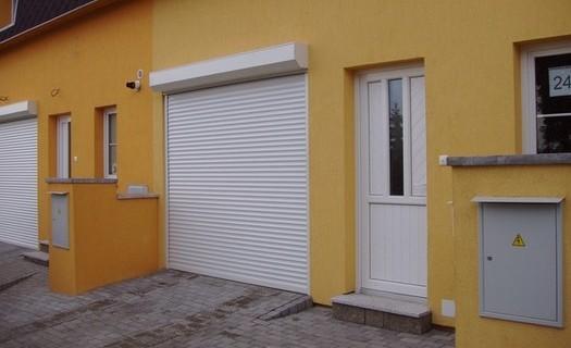 Zakázková výroba a montáž roletových garážových vrat Prostějov, vrata z hliníkových lamel
