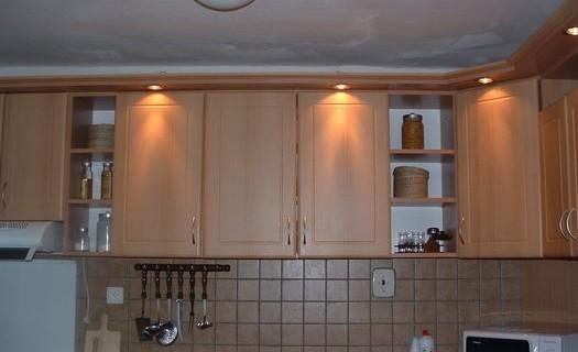Kuchyně přímo od výrobce na míru Plzeň, výroba a montáž kuchyňských linek