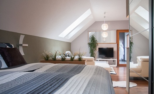 Ubytování v moderně zařízeném apartmánu pro dva s vlastní vířivkou a terasou z přírodního kamene