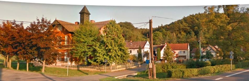 Krásná obec Želízy v CHKO Kokořínsko