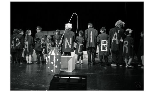 Divadelní produkce a jevištní technologie