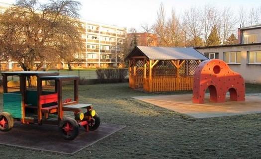 Základní škola Pardubice-Polabiny, školní hřiště