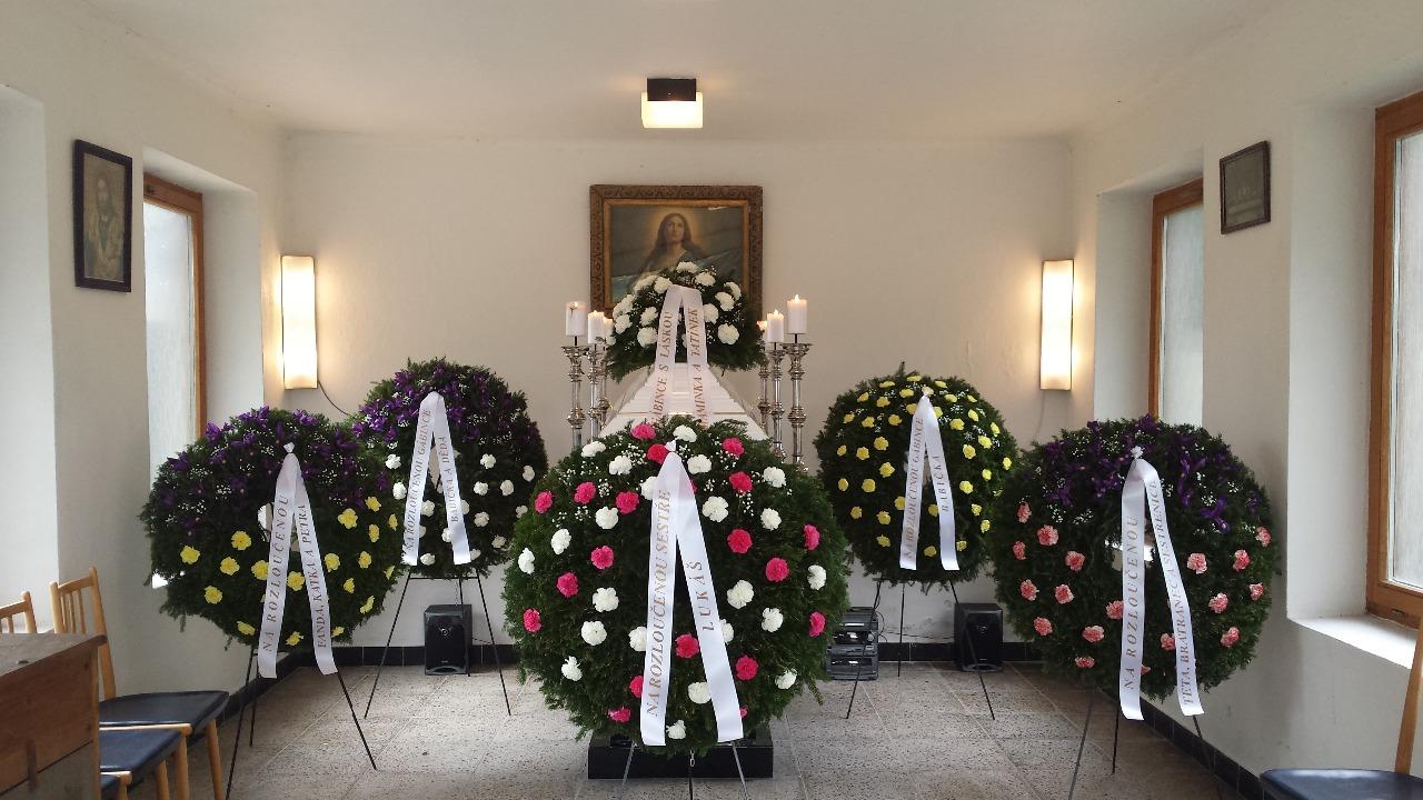 Rodinná pohřební služba s tradicí – smuteční služby nonstop Praha západ